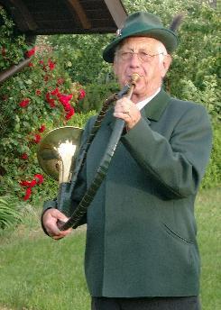 Der Autor dieses Artikels: Wolf-Dieter Möhle mit dem Parforcehorn